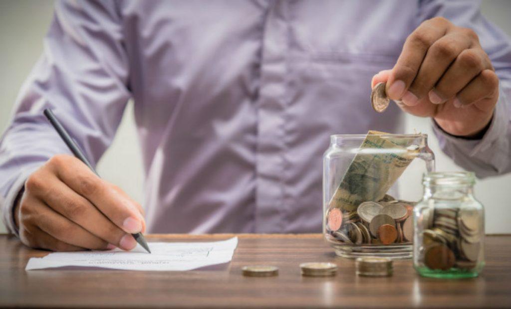 para poupar ganhando pouco dinheiro você precisa manter tudo anotado