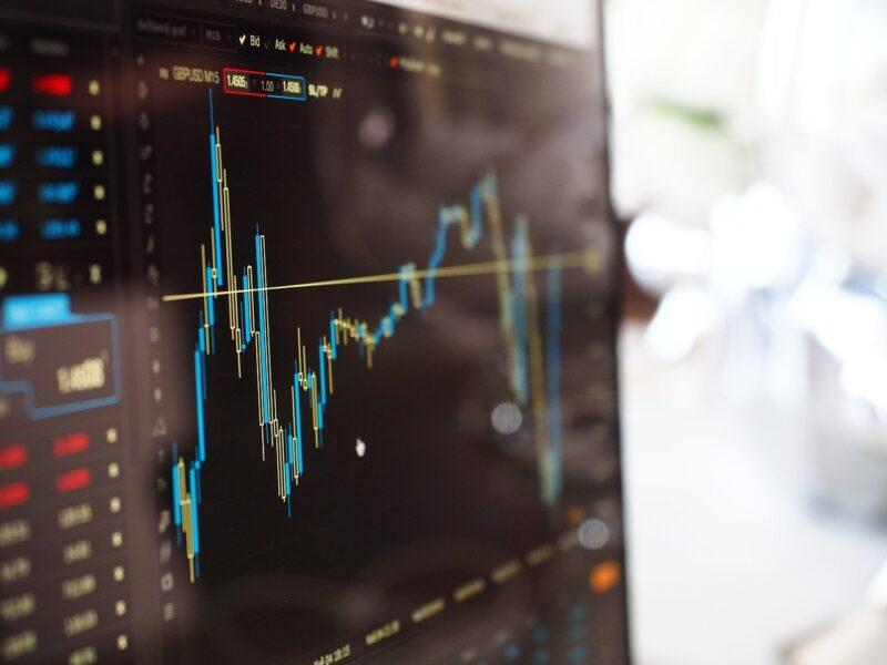 Veja quais são os 5 melhores apps para acompanhar ações no mercado