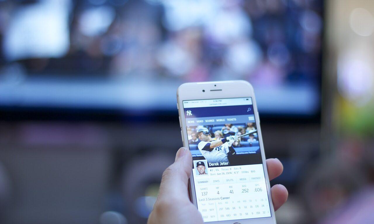 Saiba como ganhar dinheiro no Facebook