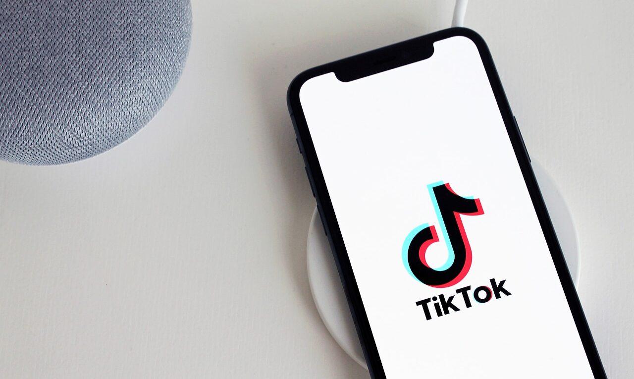 Descubra como ganhar dinheiro no TikTok
