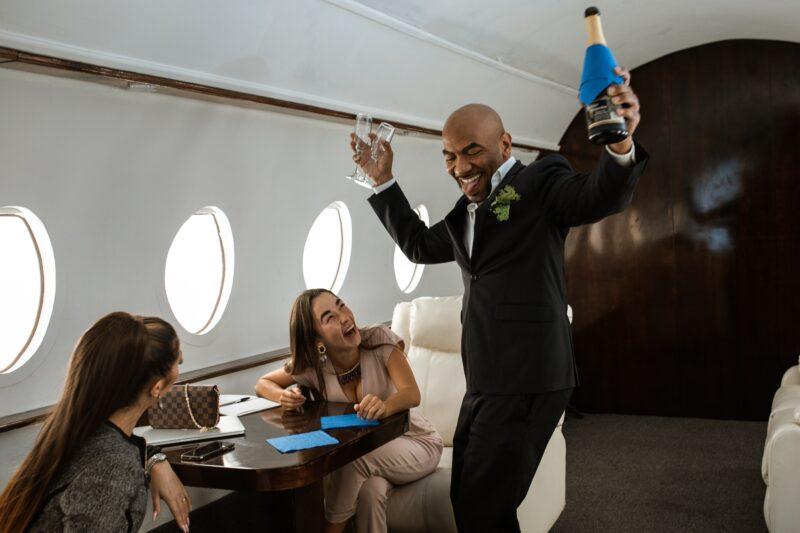 Como viajar em classe executiva a preço de classe econômica